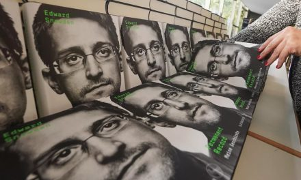 US Judge Approves Seizure of Edward Snowden Book Profits